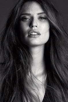 natural and beautiful Bianca Balti