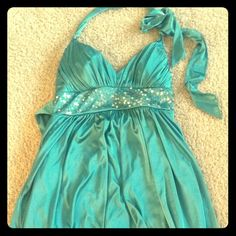 Jodi Kristopher Dress Turquoise dress, I'm 5'2 and it comes just above my knees. Only worn once Jodi Kristopher Dresses