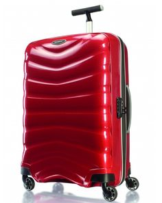 Se ainda não foste de férias, esta mala da Samsonite é a bagagem ideal para transportar os teus bens mais preciosos. Vê o artigo completo em http://nstyle.pt/moda/escolha-editora/de-malas-feitas/