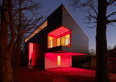 Mood Ring House in Arkansas glows a rainbow of colours