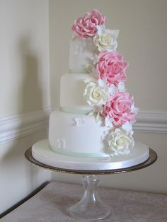 Rose Cascade by Janes Cakes 66, via Flickr @MiKayla Vandegrift -- This is needs a little glam on the white!