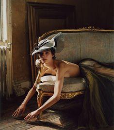 Photography: Alexander Saladrigas. Styled by:Jimi Urquiaga. Hair:Sarah Jo Palmer. Makeup:Jo Frost. Model:Jess Cole.