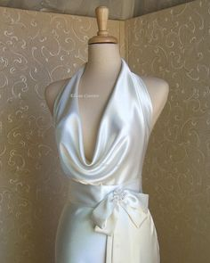 Diana  Elegant and Sexy Wedding Dress Vintage by EllanaCouture, $450.00