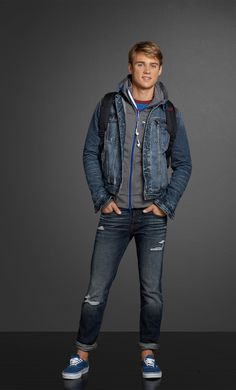 This look is perfect for the #stylish male teen.  Abercrombie & Fitch #TangerOutlets #WisconsinDells