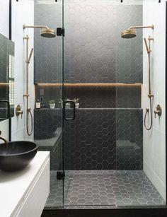 Le carrelage hexagonal de salle de bain, c'est tendance !
