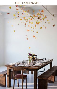 10 DIY fall decor ideas using a leaf motif. These DIY fall decor ideas include garland, wreaths, lanterns using real leaves or cut outs Fall Table, Thanksgiving Table, Thanksgiving Decorations, Holiday Tablescape, Thanksgiving Treats, Christmas Decorations, Easy Home Decor, Handmade Home Decor, The Kinfolk Table