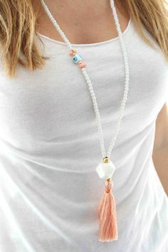 White and Coral Necklace - White Beaded Necklace with a Long Coral Pink Tassel. Tassel Jewelry, Beaded Jewelry, Jewelery, Jewelry Necklaces, Handmade Jewelry, Jewellery Box, Yoga Jewelry, Summer Necklace, Diy Necklace