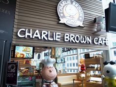 charlie brown cafe cathay cineleisure orchard 8 grange road 04 01 singapore 239695 nearest