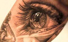 Un tatuaje de un ojo vintage