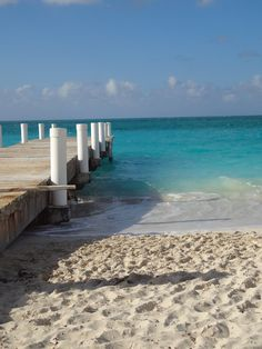 white sand, turquoise water