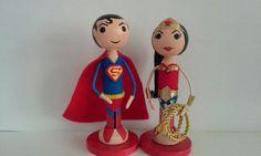 Superman and Wonder Woman Clothespin Dolls por PegMaiden en Etsy