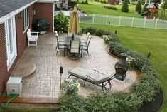 Who said DIY and budget décor must look cheap? This blog post is all about showing you great ideas on backyard upgrades on a budget you can assemble at your taste. Either you have a small garden or a long backyard; there are landscaping, furniture and décor ideas low on price yet million-bucks looking you can get! These backyard upgrades on a budget promise to help you in getting the best result with the lowest prices! #patio #backyards #frontyard #backyardideas Patio Pergola, Backyard Patio Designs, Ponds Backyard, Backyard Retreat, Small Backyard Landscaping, Patio Ideas, Pergola Ideas, Pergola Plans, Pergola Kits