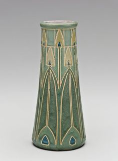 Frederick Hurten Rhead - For University City Pottery - Vase. Incised, Painted and Glazed Pottery. Glazes For Pottery, Pottery Vase, Ceramic Pottery, Ceramic Art, Glazed Pottery, Thrown Pottery, Slab Pottery, Ceramic Bowls, Pottery Wheel