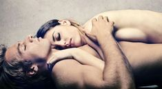 Does more sleep equal better sex? Is it possible to boost your libido by getting more sleep? Researchers seem to agree that sleep can improve sex life in both men and women. Health And Beauty, Health And Wellness, Health Tips, Health Fitness, Healthy Beauty, Women's Health, Healthy Life, Sleep Supplements, Diy Masque