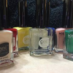 Gel Strong Nail Polish is a must for mani mavens everywhere. Why, read on to learn what made this latest nail product from KISS a favorite of Ask the Pro Stylist.