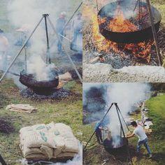 Certe tradizioni scaldano il #castagnata #festadellecastagne #caldarroste #autunno #fenis #castellodifenis #invda #vda #igersvalledaosta