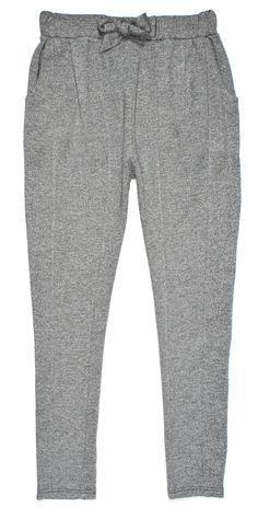 szare spodnie dresowe na gumce