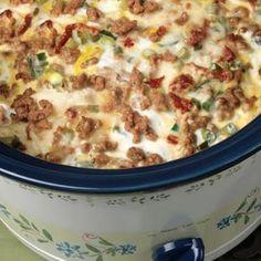 Crockpot Breakfast Casserole @keyingredient #cheese #pork #crockpot #slowcooker #tomatoes #breakfast #casserole