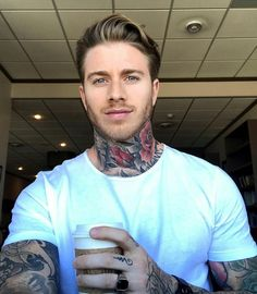 Tattoed Guys, Sexy Tattooed Men, Hot Guys Tattoos, Neck Tattoo For Guys, Pretty Men, Gorgeous Men, Ideal Man, Inked Men, Country Men
