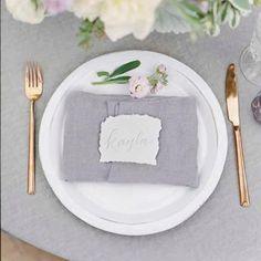 Pretty metallics and muted pastels 🌿 #lavender #metallics #pastels #tablescape #gettingmarried #editorial #weddinginspiration #weddingplanning #bridetobe #heproposed #isaidyes #engaged #flowers #weddingdress #fblogger #instalove #feyonce #goldflatware #prettylinen