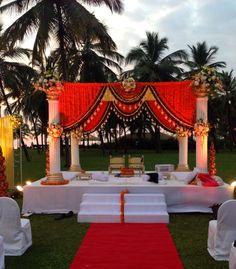 Ideas Wedding Ceremony Decorations Indoor Photography - Wedding World Wedding Mandap, Wedding Ceremony Backdrop, Wedding Venues, Wedding Ideas, Trendy Wedding, Wedding Entrance, Barn Weddings, Indian Weddings, Wedding Inspiration