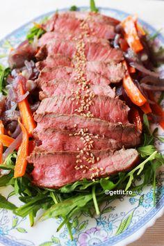 Arugula and beef salad Arugula Recipes, Beef Salad, Steak, Food, Salads, Steak Salad, Meal, Eten, Hoods