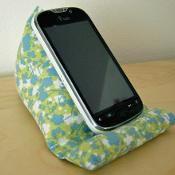 Phone Pillow - via @Craftsy