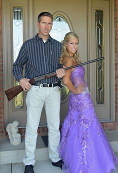 Dad & daughter prom picture idea