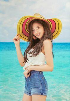 Twice Sana Summer Nights Kpop Girl Groups, Korean Girl Groups, Kpop Girls, Nayeon, Sana Kpop, Asian Woman, Asian Girl, Sana Cute, Twice Chaeyoung