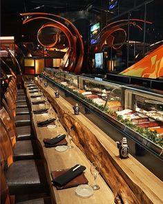 sushi bar at SUSHISAMBA strip in Las Vegas - Awesome sushi! Everything amazing! Best Restaurants In La, Las Vegas Restaurants, Sushi Restaurants, Japanese Restaurant Interior, Restaurant Interior Design, Hotel Restaurant, Restaurant Concept, Modern Restaurant, Sushi Bar Design