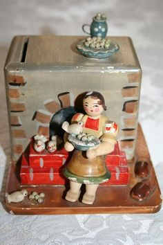 Erzgebirge HEDO Bank Girl Stove, German Miniature
