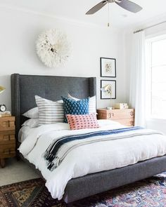 10Coastal+Bohemian+Guest+Bedroom+with+Vintage+Rug+and+Botanical+Prints.jpg