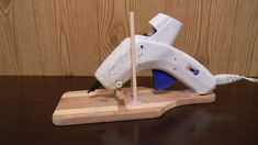 I used some things I had around the house to make this glue gun holder, it is super easy to make and it makes my crafts a lot easier and cleaner. Let's get s...