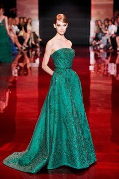 Verde-esmeralda é a cor tendência da alta-costura outono-inverno 2013/14