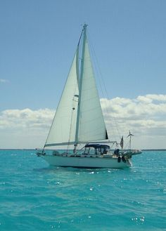 Sailing the crystal blue waters of the Abacos