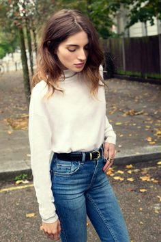 roll neck & high waisted jeans