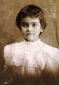 Frida com dois anos