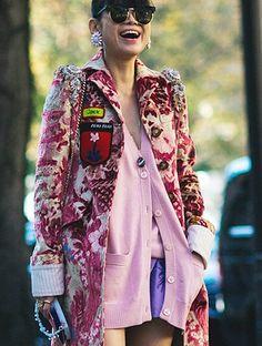 Fashion Week : PARIS La Fashion Week de Paris est la dernière et la plus importante parmi les quatre semaines mondiales de la mode...     http://tendancesbijoux.com/fashion-week-de-paris-ss-2017-fin-heureuse-conte-de-mode/