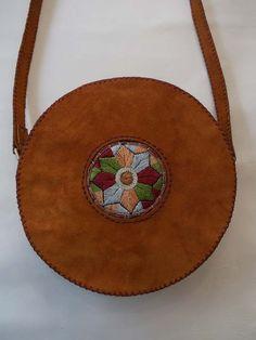 کیف دوشی زنانه چرمی گرد دست دوز اشبالت | کیف دوشی زنانه چرم