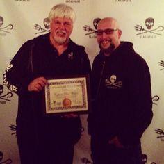Captain Paul Watson receiving his environmental hero award presented by @agentmilstein #seashepherd #gogreen#bayshorerecycling #whalewars #environmentalhero #paulwatson #whales #seashepherd