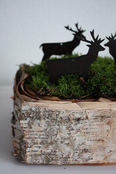 reindeers, moss, birch bark basket