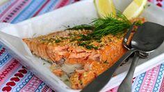 Uunilohi kannattaa kypsentää miedolla lämmöllä. Fish And Seafood, Fish Recipes, I Foods, Risotto, Health Tips, Salmon, Turkey, Food And Drink, Cooking Recipes