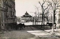 En la siguiente foto, también del Archivo Rojo, vemos la fachada de la calle Marqués de Urquijo con el detalle del remate de las terrazas (edificio de la izquierda). Al fondo el kiosco de música del Parque del Oeste.  Read more: http://historias-matritenses.blogspot.com/2015_01_01_archive.html#ixzz4COng3lqk