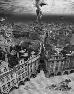 Thomas Barbey's photography - here is a world underwater