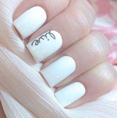 Uñas blancas, con detalle me encantaron ..