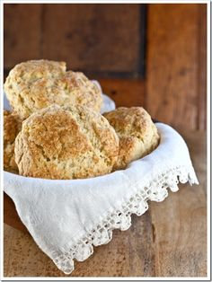 Irish Scones Recipe. I LOVE LOVE LOVE scones and am always looking for new recipes to add to my collection.... I found this one!!
