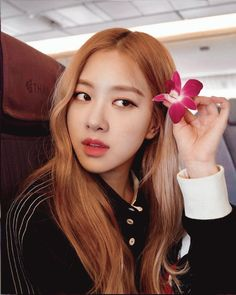 South Korean Girls, Korean Girl Groups, Queens, Yoon Sun Young, Elle Woods, Queen Pictures, Rose Park, Park Chaeyoung, Poses