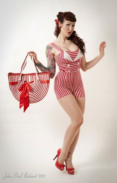 love the playsuit Rockabilly Pin Up, Rockabilly Fashion, Retro Fashion, Vintage Fashion, Pin Up Outfits, Cute Outfits, Fashion Outfits, Pinup, Style Vintage