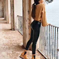 @albaperarnau Alba, Leather Pants, Cute Outfits, Instagram, Community, Autumn, Fashion, Leather Jogger Pants, Pretty Outfits