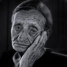 Impresionantes fotos retrato en blanco y negro de gente marginada